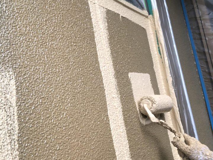 外壁 上塗1回目(厚付)