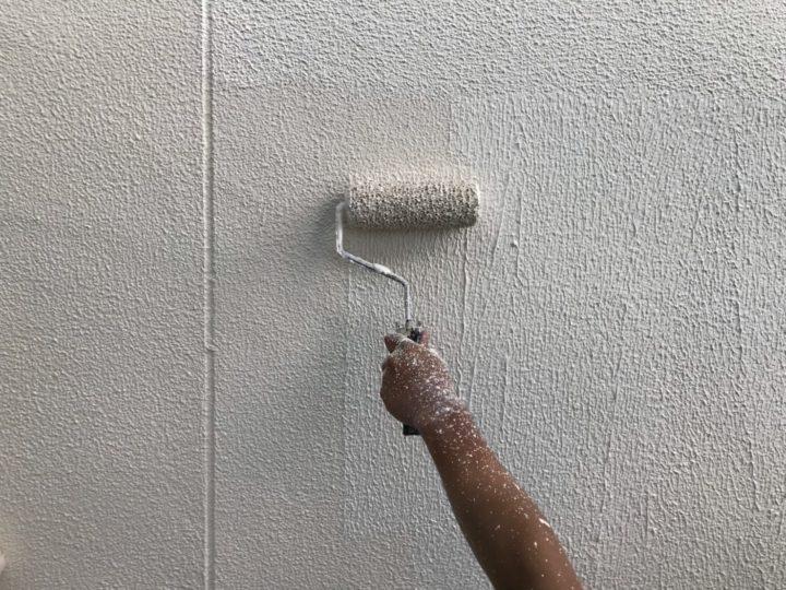 外壁上塗2回目(厚付)