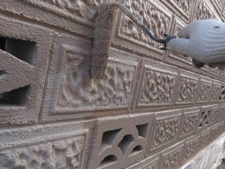 ブロック塀 上塗り1回目
