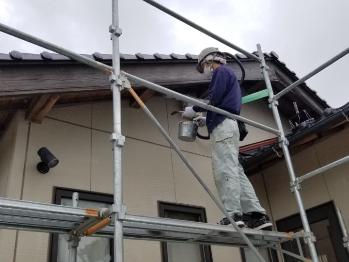 破風板(木材保護塗料)
