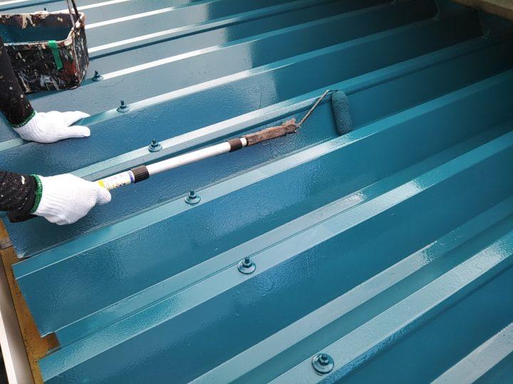 折板屋根 上塗り2回目