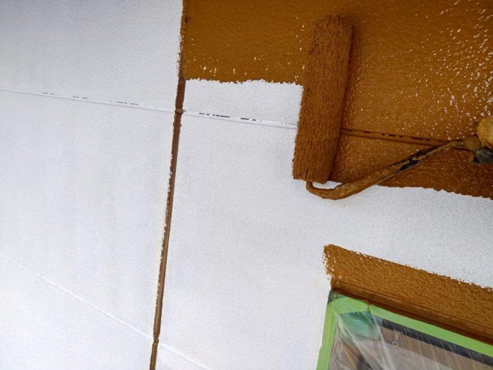 外壁 上塗1回目(薄付)