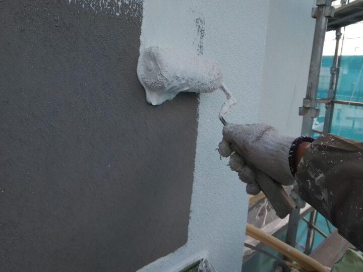 外壁 下塗り(厚塗り)