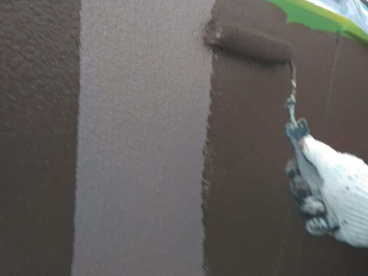 外壁再塗装 上塗1回目