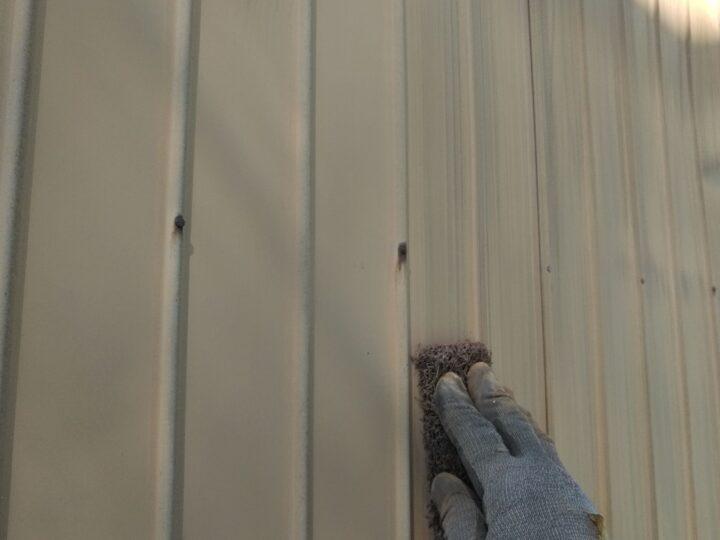 鉄板壁 ケレン(錆落し)