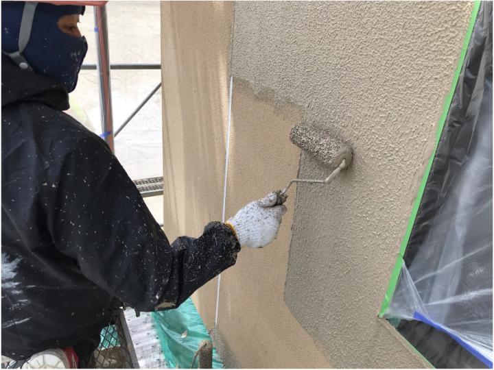 車庫外壁上塗り(1回目)