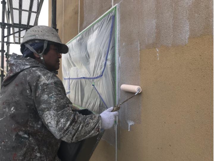 車庫外壁下塗り