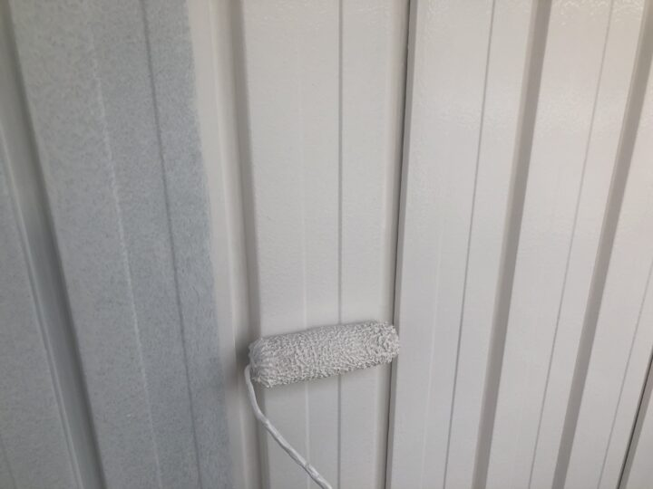 外壁鉄板面 上塗り1回目
