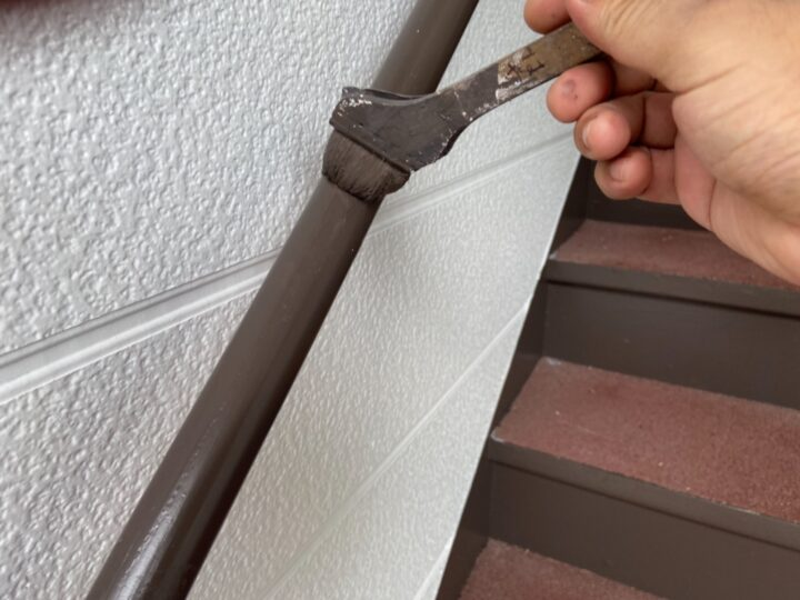 階段手摺 上塗り