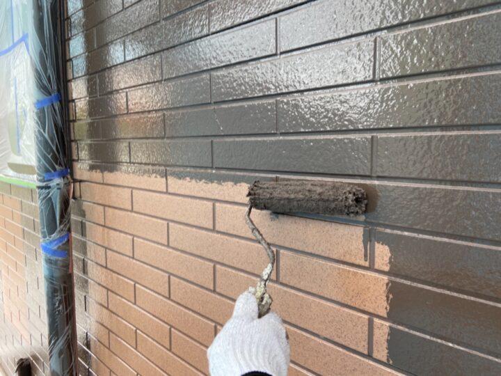 外壁 上塗り1回目(薄付)
